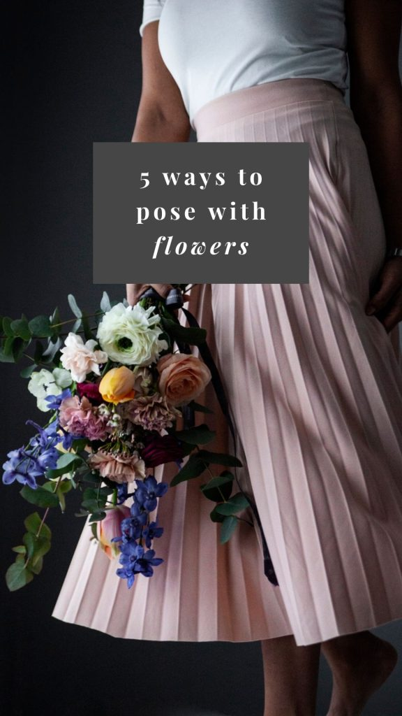 How to pose with flowers: 6 ideas to try out!